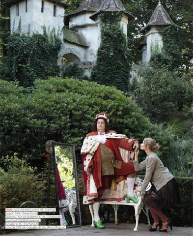Telegraaf, VROUW - 'Nieuwe kleren van de Keizer'